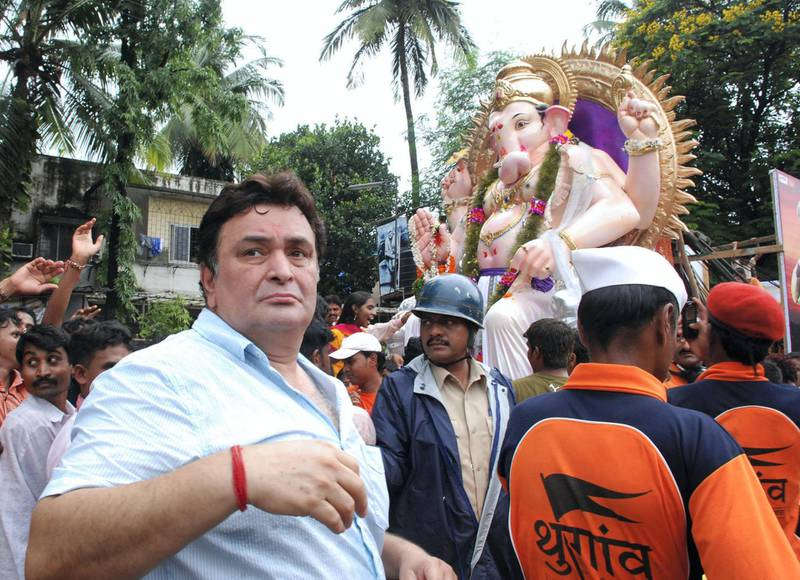 Indian Bollywood actor Rishi Kapoor attends the Ganpati Bappa Immersion at R. K. Studio in Mumbai on September 3, 2009.  AFP PHOTO/STR. (Photo by STR / AFP)