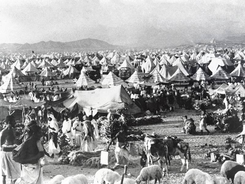 Picture released on November 1948 of Muslim pilgrims on Hajj, at the holy city of Mecca.   / AFP PHOTO / -