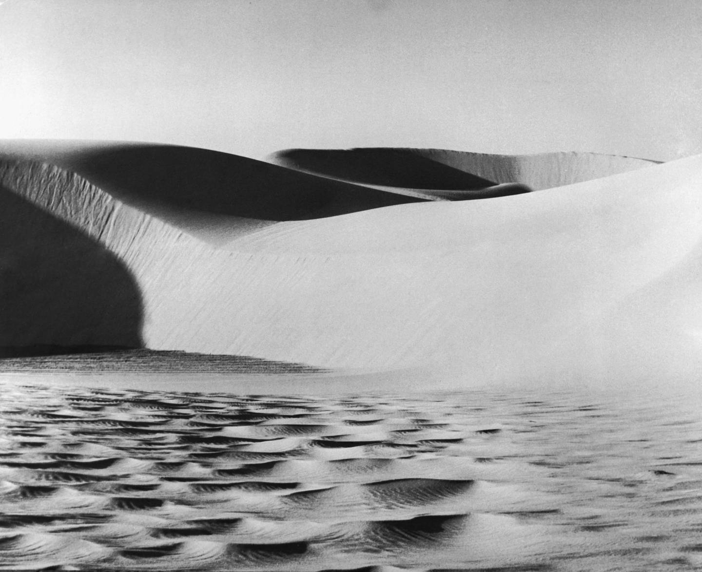 Sand dunes in the desert region of Saudi Arabia known as the 'Empty Quarter', 1959. (Photo by Keystone Features/Hulton Archive/Getty Images)