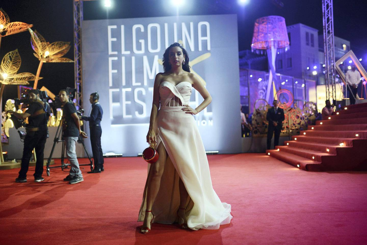 HURGHADA, EGYPT - SEPTEMBER 28: Egyptian actress Sarrah Abdelrahman poses for a photo on the red carpet at the closing ceremony of the 2nd El Gouna Film Festival on September 28, 2018 in Hurghada, Egypt. This is the 2nd year of the El Gouna Film Festival held on the Red Sea. It runs from the 20th to the 28th September 2018 (Photo by Jonathan Rashad/Getty Images)