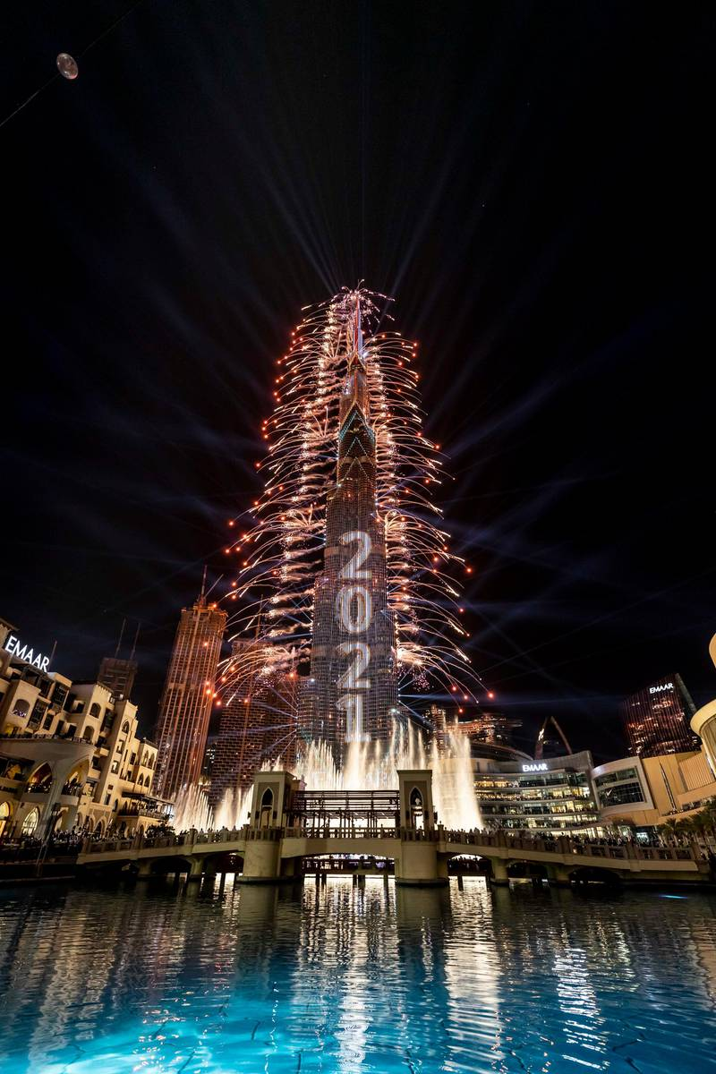 DUBAI UNITED ARAB EMIRATES. 31. DECEMBER 2020. New Years Eve 2021 light and fireworks show. on the Burj Khalifa in Downtown Dubai. (Photo: Antonie Robertson/The National) Journalist: None. Section: National.