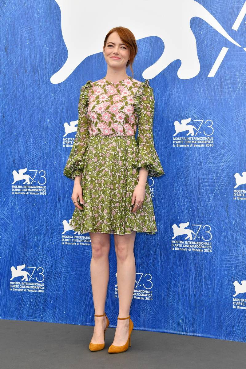 VENICE, ITALY - AUGUST 31:  Actress Emma Stone attends a photocall for 'La La Land' during the 73rd Venice Film Festival at Palazzo del Casino on August 31, 2016 in Venice, Italy.  (Photo by Pascal Le Segretain/Getty Images)