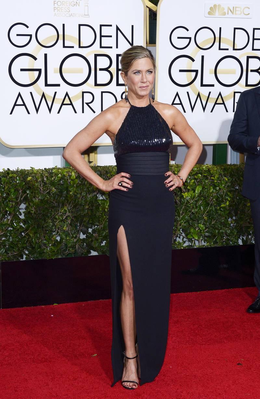 epa04556496 Jennifer Aniston arrives for the 72nd Annual Golden Globe Awards at the Beverly Hilton Hotel, in Beverly Hills, California, USA, 11 January 2015.  EPA/PAUL BUCK