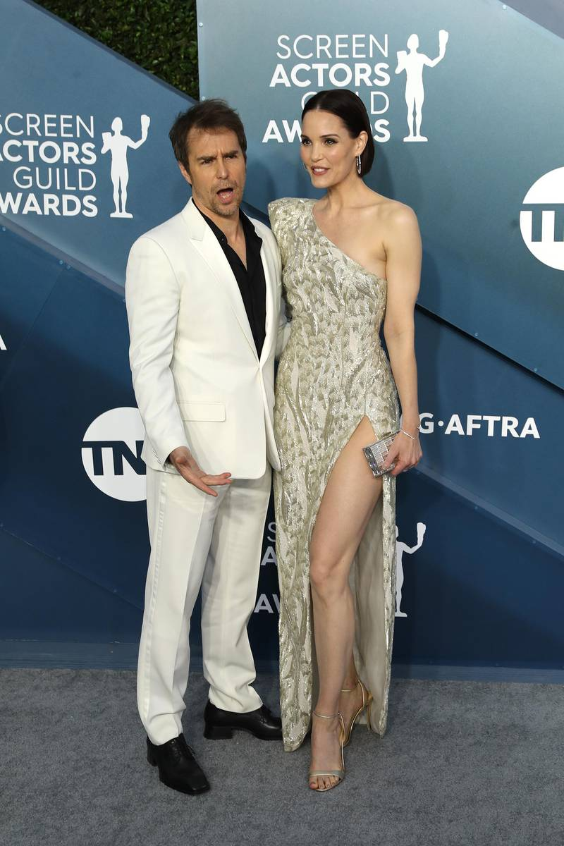 epa08143309 Sam Rockwell and Leslie Bibb arrive for the 26th annual Screen Actors Guild Awards ceremony at the Shrine Auditorium in Los Angeles, California, USA, 19 January 2020.  EPA-EFE/DAVID SWANSON