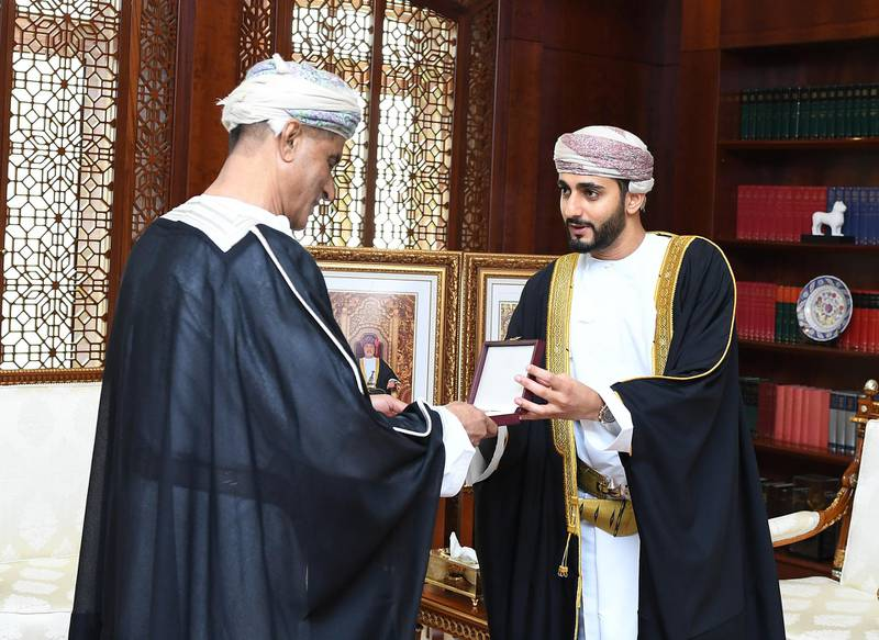 Muscat, Nov.16 (ONA) – - - -His Majesty Sultan Haitham Bin Tarik today granted the Order of Royal Commendation, 3rd Class, to some media personnel in recognition of their positive contributions that served the Omani media march.      They were Ibrahim bin A'mir bin Nassir al-Yahmadi, Hassan bin Salim bin Juma al-Farsi and Mohammed bin Ali bin Saleh al-Marjabi.     The awardees were presented with the Royal Commendation Order by Sayyid Theyazin bin Haitham bin Tarik al-Said, when he received them at his office today. Oman News Agency
