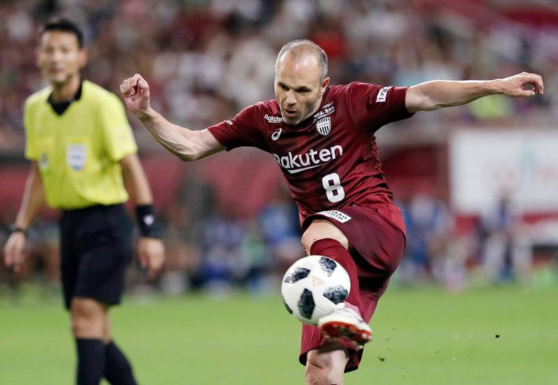 Vissel Kobe's Andres Iniesta tries to score a goal against Shonan Bellmare in the second half of their J-League soccer league match in Kobe, western Japan, Sunday, July 22, 2018. Iniesta made his J-League debut on Sunday.(Takumi Sato/Kyodo News via AP)