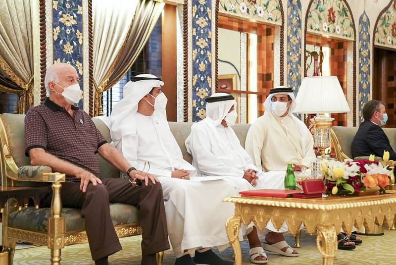 GHANTOOT, ABU DHABI, UNITED ARAB EMIRATES - November 18, 2020: Bassam Freiha (L), HE Ali Mohamed Hammad Al Shamsi, Deputy Secretary-General of the UAE Supreme National Security Council (2nd L), HH Sheikh Mansour bin Zayed Al Nahyan, UAE Deputy Prime Minister and Minister of Presidential Affairs (4th L) and other dignitaries, attend a tripartite summit between the UAE, Bahrain and Jordan.   ( Rashed Al Mansoori / Ministry of Presidential Affairs ) ---