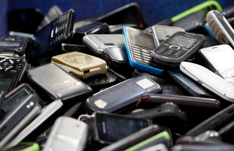 epa08876606 Discarded mobile phones are collected for recycling at the electronic waste recycling plant of Total Environmental Solutions (TES) in Bang Pa-in Industrial Estate, Ayutthaya province, Thailand, 03 July 2020 (issued 11 December 2020). Thailand is among the world's worst countries in terms of electric waste (e-waste) volume after it exceeded 621,000 metric tonnes in 2019. The amount of hazardous material found in e-waste has been increasing dramatically during the years. Thailand has announced a ban on the import of electronic waste. The country will also promote investment for waste disposal and recycling plants to properly operate on e-waste management.  EPA-EFE/RUNGROJ YONGRIT ATTENTION: This Image is part of a PHOTO SET