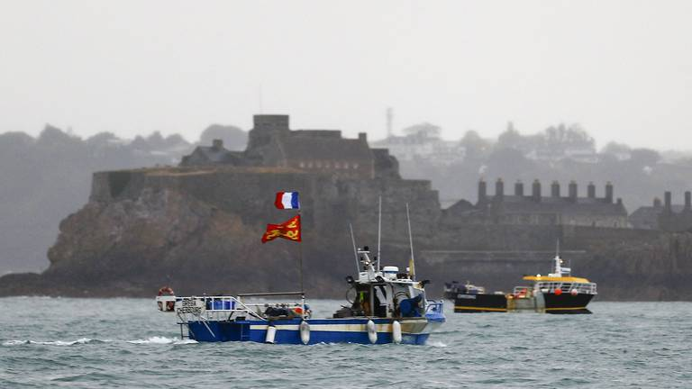 An image that illustrates this article UK upsets France by granting only 12 licences to EU fishing boats