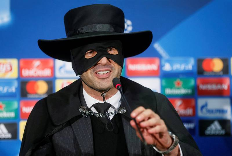 Soccer Football - Shakhtar Donetsk v Manchester City - Champions League - Metalist Stadium, Kharkiv, Ukraine - December 7, 2017   Shakhtar Donetsk's coach Paulo Fonseca, dressed as Zorro, attends a news conference after the match.  REUTERS/Valentyn Ogirenko     TPX IMAGES OF THE DAY