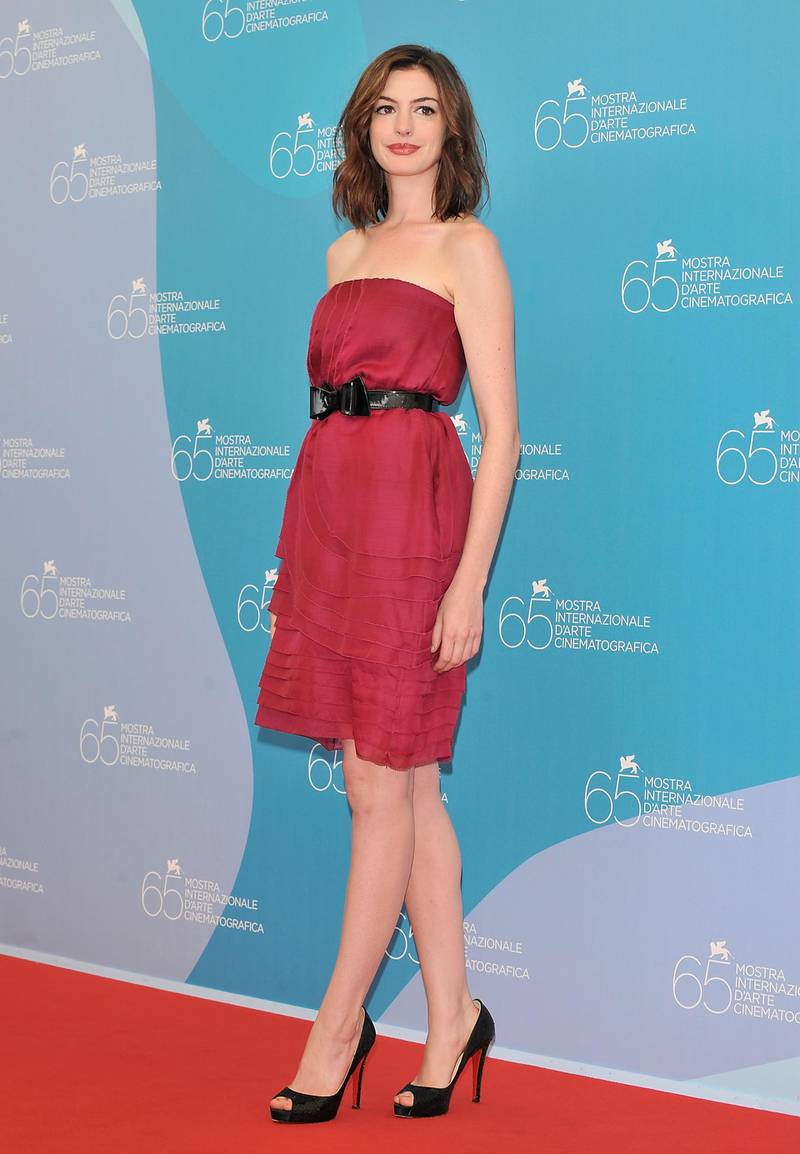 VENICE, ITALY - SEPTEMBER 03:  Actress Anne Hathaway attends the 'Rachel Getting Married' photocall at the Piazzale del Casino during the 65th Venice Film Festival on September 3, 2008 in Venice, Italy.  (Photo by Pascal Le Segretain/Getty Images)