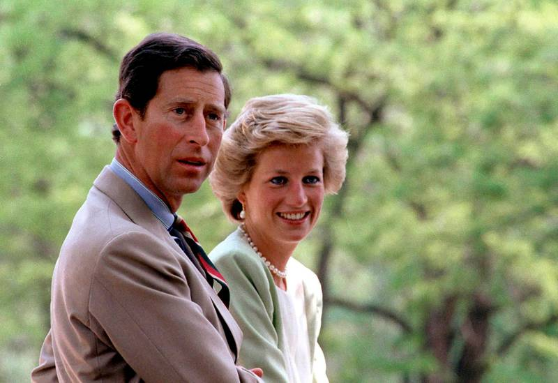 epa06156657 (FILE) - Britain's Diana, Princess of Wales and her husband, British Crown Prince Charles sit in a carriage in Bugac, 119 kms southeast of Budapest, Hungary, 09 May 1990. The 20th anniversary of Princess Diana's death will be marked on 31 August 2017. Diana Spencer, ex-wife of Prince Charles, died in a car accident in Paris, France on 31 August 1997.  EPA/LASZLO VARGA  HUNGARY OUT