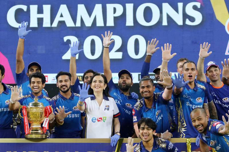 Mumbai Indians players with the trophy during the final of season 13 of the Dream 11 Indian Premier League (IPL) between the Mumbai Indians and the Delhi Capitals held at the Dubai International Cricket Stadium, Dubai in the United Arab Emirates on the 10th November 2020.  Photo by: Vipin Pawar  / Sportzpics for BCCI