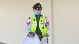 Dubai Police officer praised for helping flailing bird