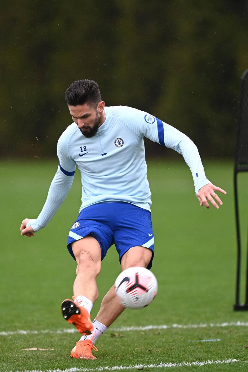 COBHAM, ENGLAND - DECEMBER 18:  Olivier Giroud of Chelsea during a training session at Chelsea Training Ground on December 18, 2020 in Cobham, England. (Photo by Darren Walsh/Chelsea FC via Getty Images)