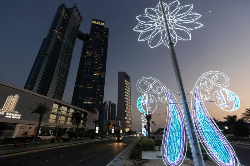 Abu Dhabi, United Arab Emirates - Reporter: N/A: Ramadan. Ramadan decorations on the corniche. Monday, April 27th, 2020. Abu Dhabi. Chris Whiteoak / The National