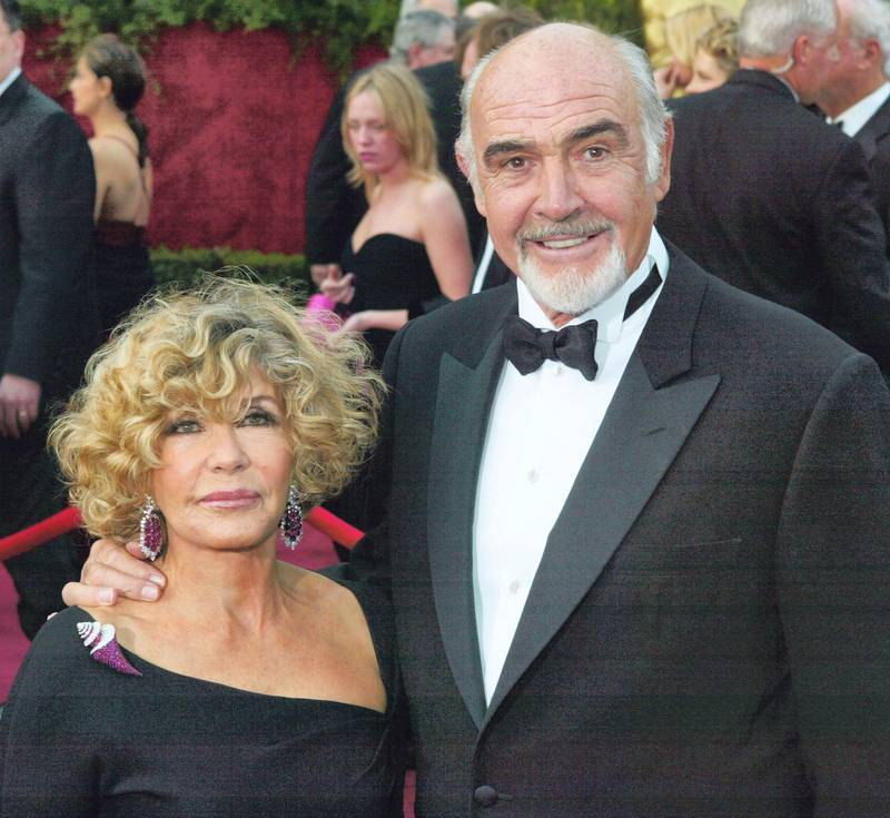 HOLLYWOOD, CA - FEBRUARY 29: (HOLLYWOOD REPORTER AND US TABS OUT) Actor Sean Connery and wife Micheline Connery attend the 76th Annual Academy Awards at the Kodak Theater on February 29, 2004 in Hollywood, California.   Frank Micelotta/Getty Images/AFP