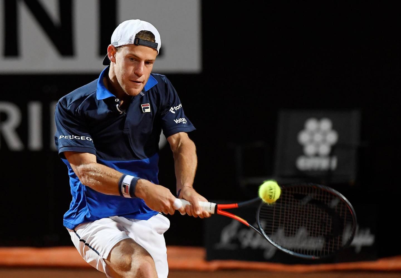 Tennis - ATP 1000 - Italian Open - Foro Italico, Rome, Italy - May 18, 2019   Argentina's Diego Schwartzman in action during his semi final match against Serbia's Novak Djokovic   REUTERS/Giuseppe Maffia
