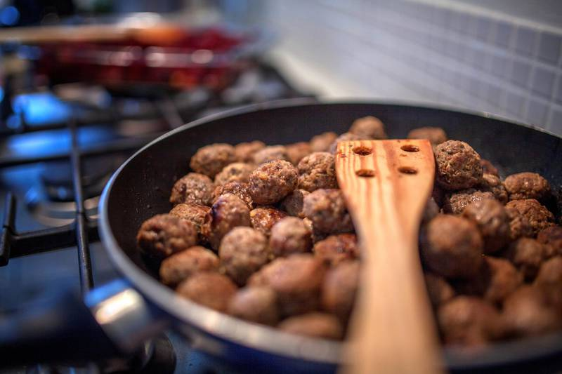 In Nordic countries the meatballs are made with ground beef or a mix of ground beef, pork and sometimes veal, sometimes including bread crumbs soaked in milk, finely chopped (fried) onions, some broth and often including cream. They are seasoned with white pepper or allspice and salt. Swedish meatballs are traditionally served with gravy, boiled potatoes, lingonberry jam, and sometimes fresh pickled cucumber, traditionally, they are small, around 1 inch (2.5 cm) in diameter.
