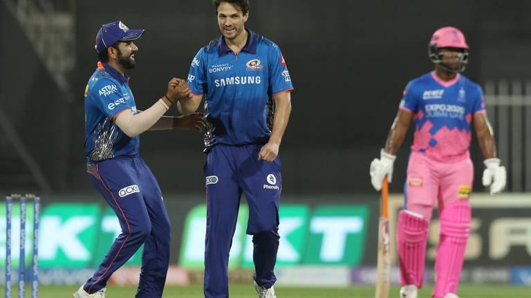 An image that illustrates this article IPL 2021: Mumbai keep playoff hopes alive with victory over Rajasthan