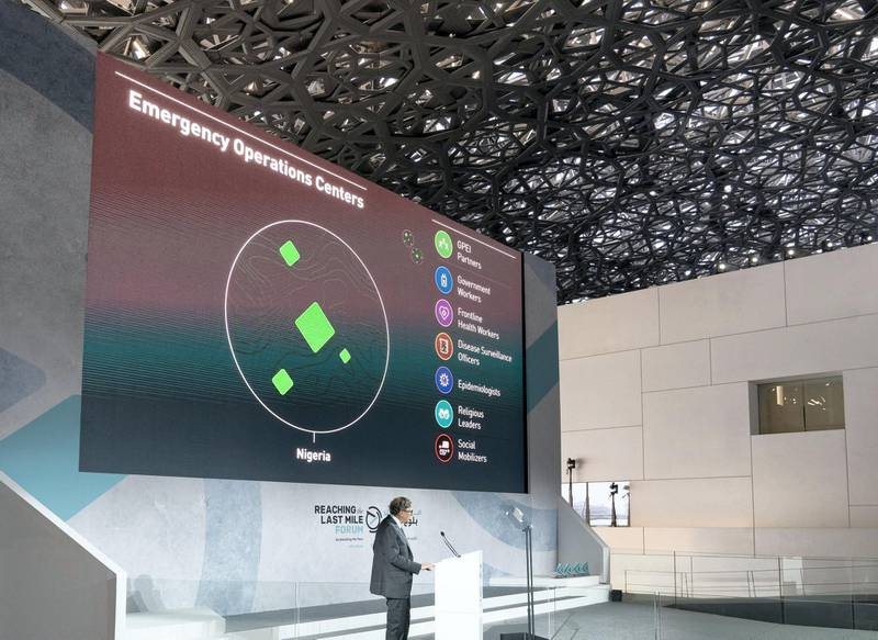 SAADIYAT ISLAND, ABU DHABI, UNITED ARAB EMIRATES - November 19, 2019: Bill Gates, Co-chair and Trustee of Bill & Melinda Gates Foundation (on stage) delivers a speech during the Reaching the Last Mile Forum, at the Louvre Abu Dhabi.  ( Mohamed Al Hammadi / Ministry of Presidential Affairs ) ---