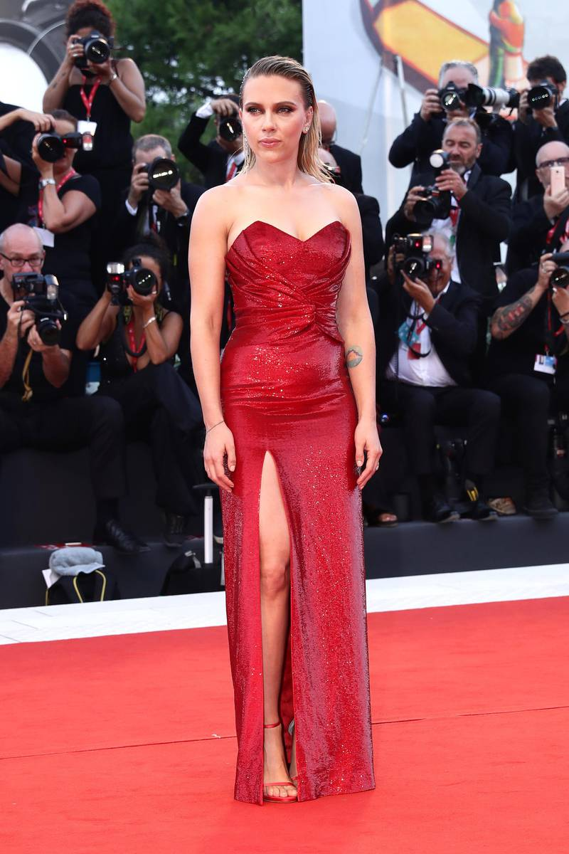 """VENICE, ITALY - AUGUST 29:  Scarlett Johansson walks the red carpet ahead of the """"Marriage Story"""" screening during during the 76th Venice Film Festival at Sala Grande on August 29, 2019 in Venice, Italy. (Photo by Vittorio Zunino Celotto/Getty Images)"""