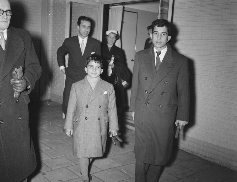 2AR3DP6 Crown Prince of Jordan Prince Mohamed (16) on transit Schiphol Date: 20 January 1957 Location: Jordan Keywords: Crown Princes