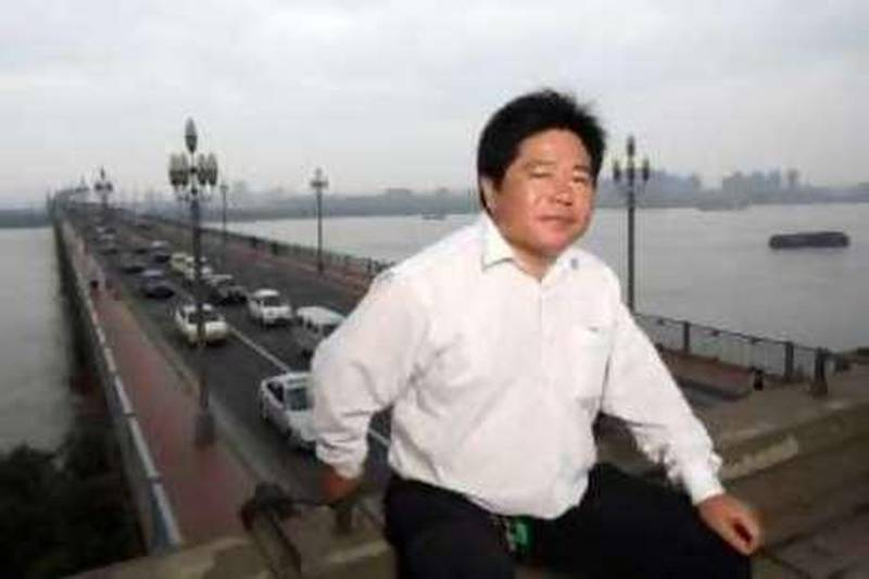 Chen Si, a local activist who tries to prevent suicides on the Nanjing Changjiang Bridge, photographed on the bridge in Nanjing, China on 19 June, 2008.  Credit: Qilai Shen ( Name Credit Only) *** Local Caption ***  QS080619Shanghai024.jpg