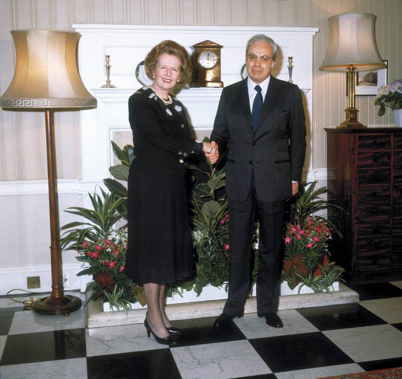 British Prime Minister Margaret Thatcher with Peruvian diplomat and Secretary-General of the United Nations, Javier Perez de Cuellar at 10 Downing Street, London, May 1986. (Photo by Fox Photos/Hulton Archive/Getty Images)