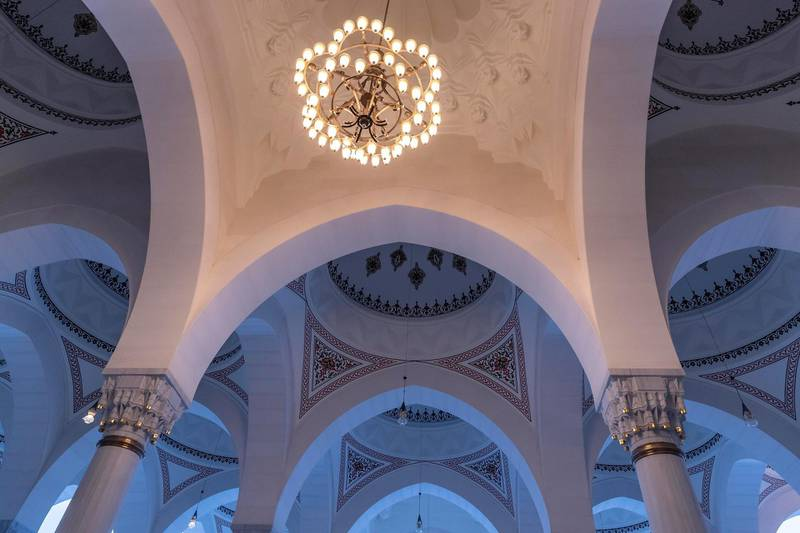 SHARJAH, UNITED ARAB EMIRATES. 12 MAY 2019. The newly opened Sharjah Mosque during Iftar and sunset. (Photo: Antonie Robertson/The National) Journalist: None. Section: Business.