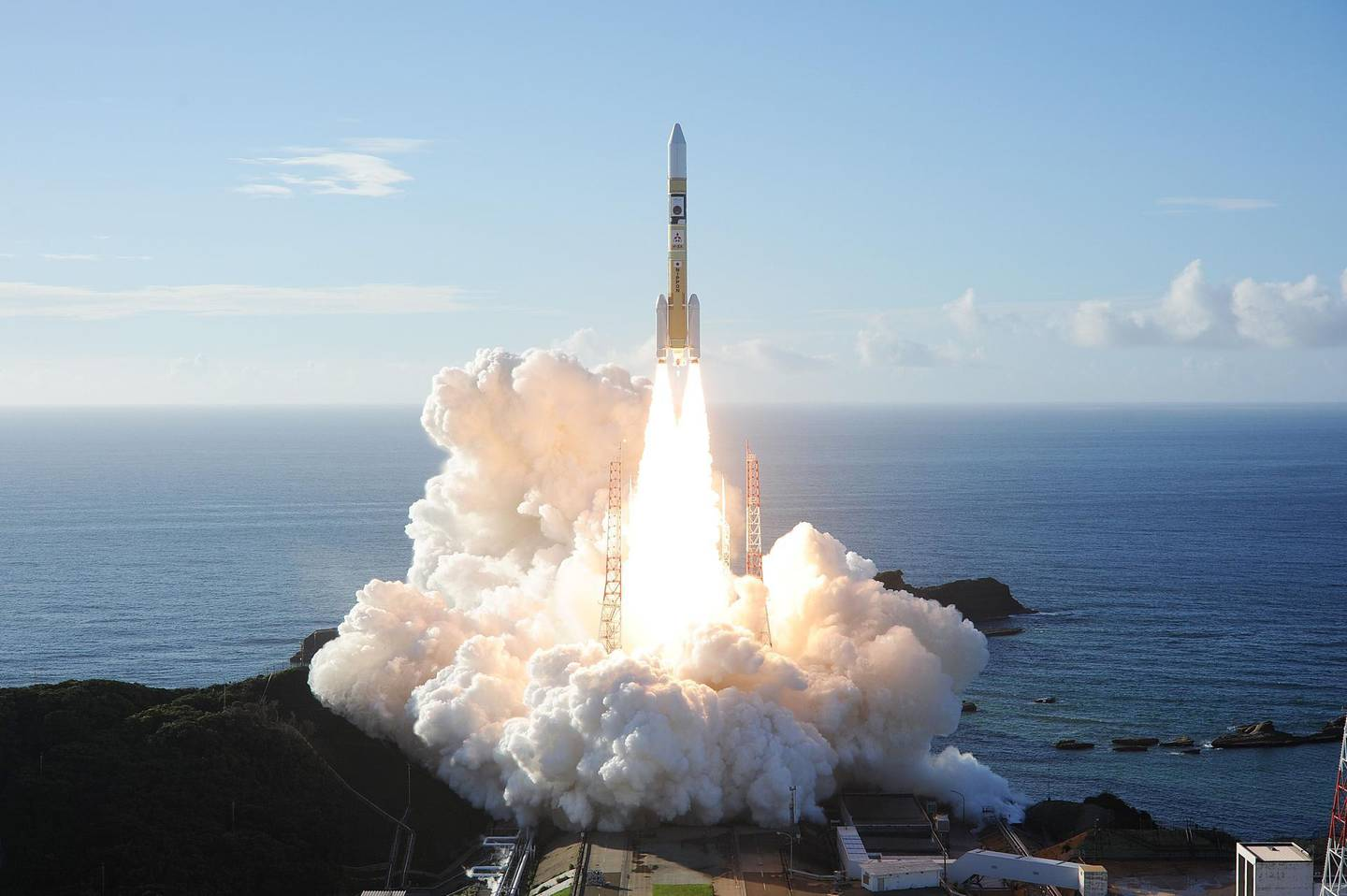 """In this handout photograph taken and released on July 20, 2020 by Mitsubishi Heavy Industries an H-2A rocket carrying the Hope Probe known as """"Al-Amal"""" in Arabic, developed by the Mohammed Bin Rashid Space Centre (MBRSC) in the United Arab Emirates (UAE) to explore Mars, blasts off from Tanegashima Space Centre in southwestern Japan. The first Arab space mission to Mars blasted off on July 20 aboard a rocket from Japan, with the probe dubbed """"Hope"""" successfully separating about an hour after liftoff. - --- RESTRICTED TO EDITORIAL USE - MANDATORY CREDIT """"AFP PHOTO / (MITSUBISHI HEAVY INDUSTRIES)"""" - NO MARKETING NO ADVERTISING CAMPAIGNS - DISTRIBUTED AS A SERVICE TO CLIENTS ---  / AFP / Mitsubishi Heavy Industries / Handout / --- RESTRICTED TO EDITORIAL USE - MANDATORY CREDIT """"AFP PHOTO / (MITSUBISHI HEAVY INDUSTRIES)"""" - NO MARKETING NO ADVERTISING CAMPAIGNS - DISTRIBUTED AS A SERVICE TO CLIENTS ---"""