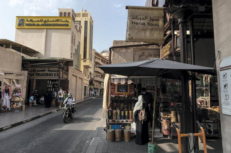 DUBAI, UNITED ARAB EMIRATES. 25 FEBRUARY 2021. COVID - 19 Standalone. Deira souk during the time of Covid.. (Photo: Antonie Robertson/The National) Journalist: Nick Webster. Section: National.
