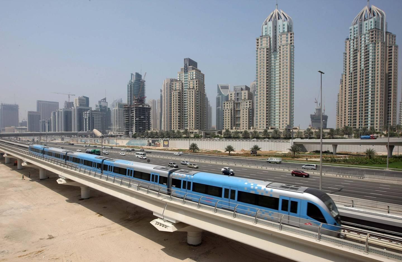 DUBAI.2nd September 2009. The Dubai Metro passes past Dubai Marina yesterday (weds) a week before its opening on 9th September.  Stephen Lock  /  The National . *** Local Caption ***  SL-metro-002.jpg