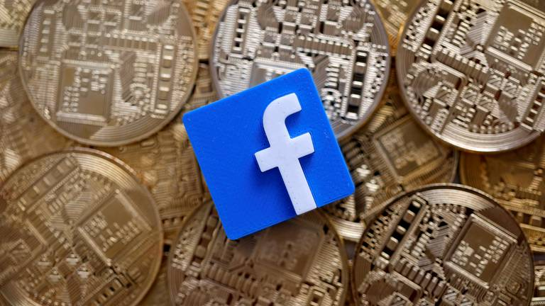 An image that illustrates this article Why Facebook is piloting a fee-free money transfer service