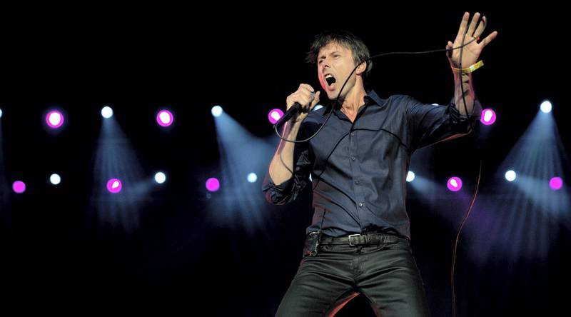 British singer Brett Anderson of 'Suede' performs during the final day of the Hop Farm music festival in Paddock Wood, Kent, on July 1, 2012. AFP PHOTO / BEN STANSALL / AFP PHOTO / BEN STANSALL