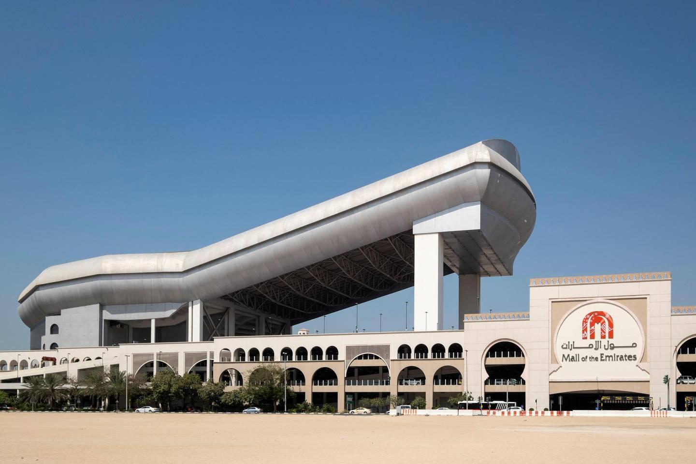 E9WYN4 Exterior view of Ski Dubai indoor ski slope  at Mall of the Emirates in Dubai United Arab Emirates. Alamy