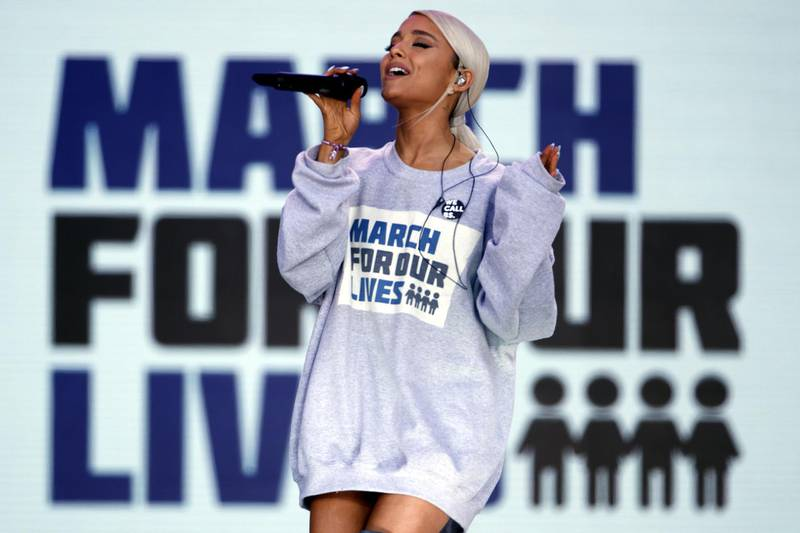 epaselect epa06627450 Performer Ariana Grande sings 'Be Alright' during the March For Our Lives in Washington, DC, USA, 24 March 2018. March For Our Lives student activists demand that their lives and safety become a priority, and an end to gun violence and mass shootings in our schools  EPA-EFE/SHAWN THEW