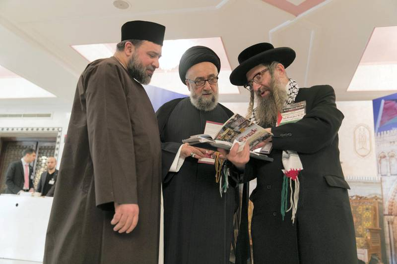 CAIRO, EGYPT. 18 January 2018. Rabbi Yisroel Dovid Weiss discusses his stance on Jerusalem with Muslim clerics at Al Azhar International Confrence in Support of Jerusalem.Photo by Reem Mohammed/ The NationalReporter: Naser Al WasmiSection: NA