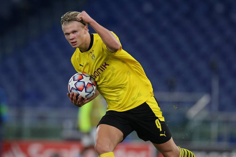 ROME, ITALY - OCTOBER 20:  Erling Braut Haaland of Borussia Dortmund celebrates after scoring the team's first goal during the UEFA Champions League Group F stage match between SS Lazio and Borussia Dortmund at Stadio Olimpico on October 20, 2020 in Rome, Italy.  (Photo by Paolo Bruno/Getty Images)