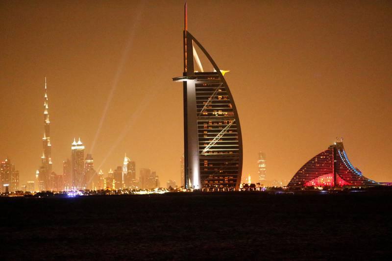 FILE PHOTO: A general view shows Dubai's cityscape September 24, 2013. REUTERS/Ahmed Jadallah/File Photo