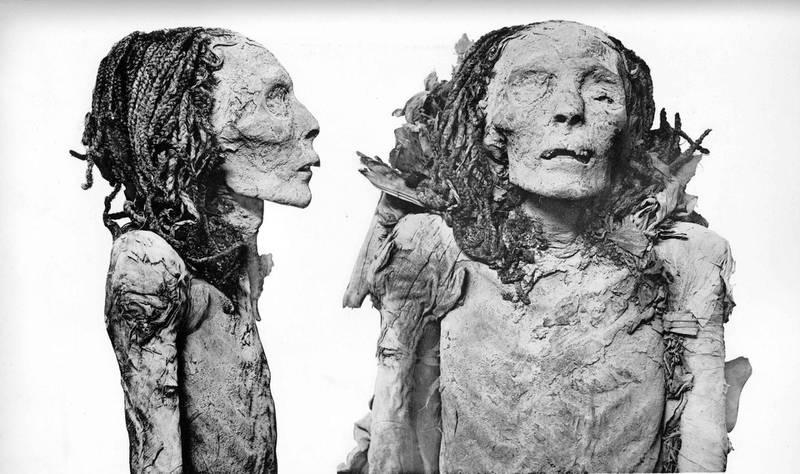 Mummy of Ahmose-Nefertari, queen of pharaoh Ahmose of the 18th dynasty, found in DB320. Courtesy G. Elliot Smith