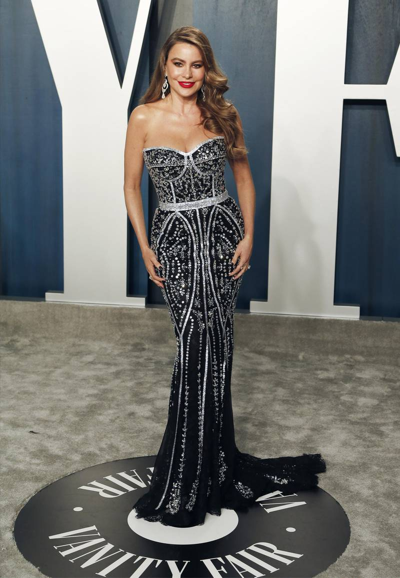 epa08207319 Sofia Vergara  attends the 2020 Vanity Fair Oscar Party following the 92nd annual Academy Awards ceremony in Beverly Hills, California, USA, 09 February 2020. The Oscars are presented for outstanding individual or collective efforts in filmmaking in 24 categories.  EPA-EFE/RINGO CHIU