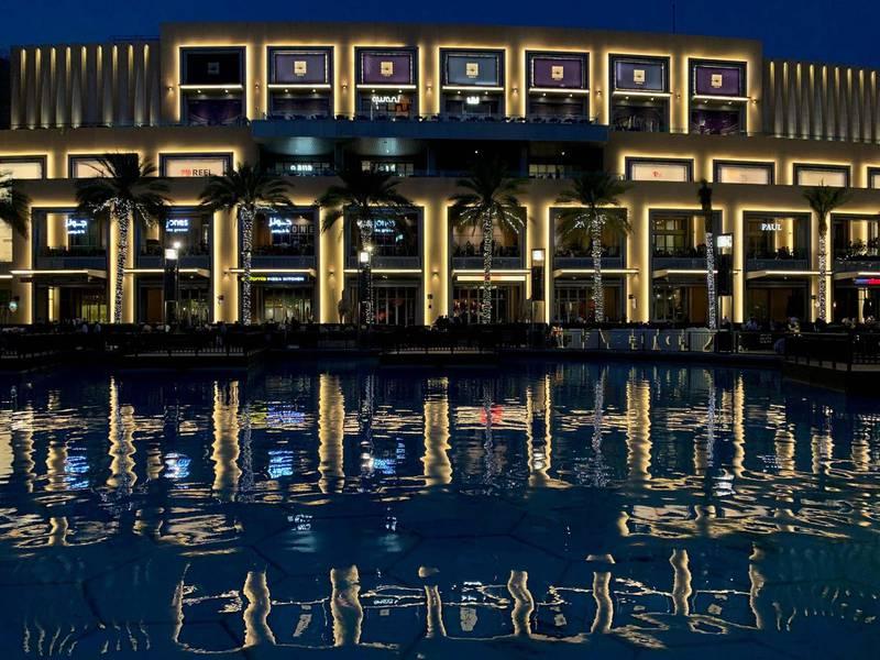 DUBAI, DECEMBER 31, 2019 - Light decoration around Dubai Mall for the NYE2020. Pawan Singh / The National