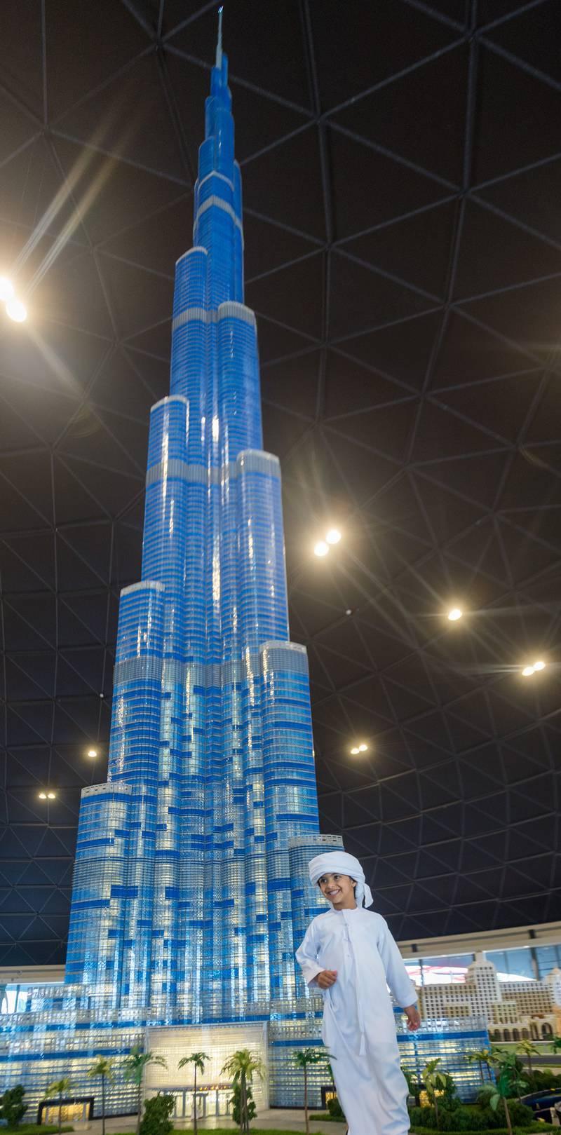Dubai, UAE: 17 October, 2016 ö LEGOLAND¨ Dubai welcomed special guest, beloved Emirati youth Mohammed bin Ahmed Jaber Al Harbi to officially unveil the worldâs tallest LEGO¨ building structure: Burj Khalifa in MINILAND.  *** Local Caption ***  Al18-Legoland2.jpg