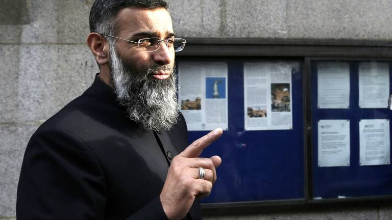 An image that illustrates this article Radical preacher turns to alternative platforms after Facebook ban