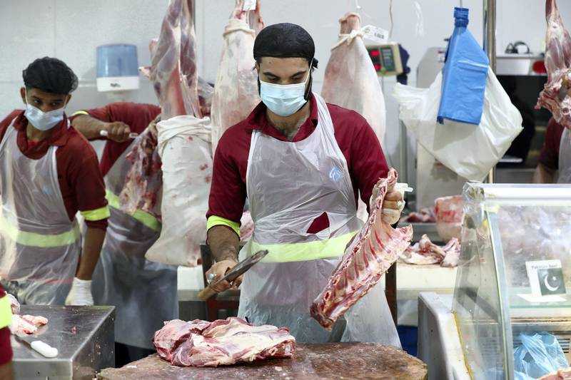 Dubai, United Arab Emirates - N/A. News. Coronavirus/Covid-19. Butchery takes place at the Waterfront Market in Deira. Thursday, September 10th, 2020. Dubai. Chris Whiteoak / The National