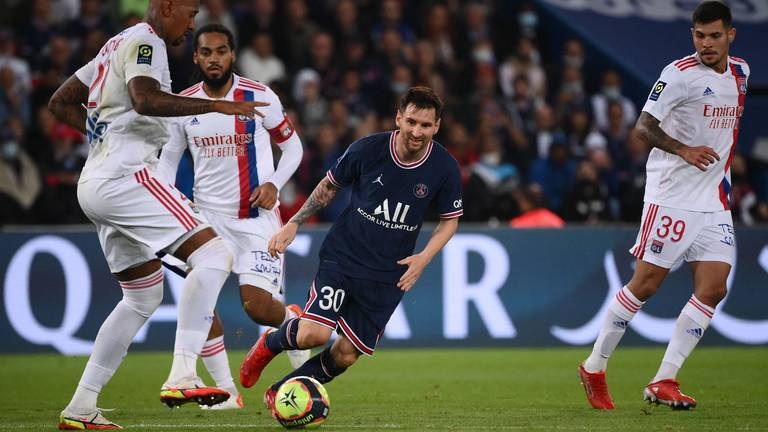An image that illustrates this article PSG ratings v Lyon: Messi 6, Neymar and Icardi both get 8, Mbappe 7