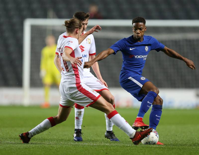MILTON KEYNES, ENGLAND - DECEMBER 06: Charly Musonda of Chelsea controls  the ball under pressure during the Checkatrade Trophy Second Round match between Milton Keynes Dons and Chelsea U21vat StadiumMK on December 6, 2017 in Milton Keynes, England.  (Photo by Pete Norton/Getty Images)