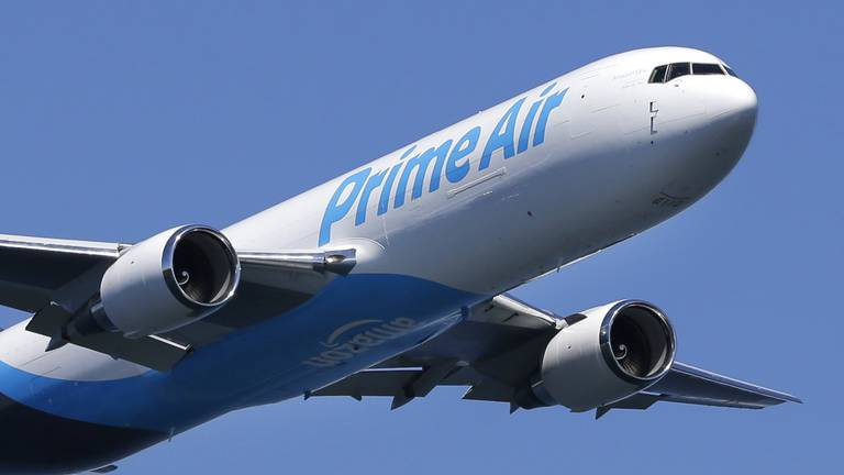 An image that illustrates this article Amazon eyes long-range cargo jets that can fly from China