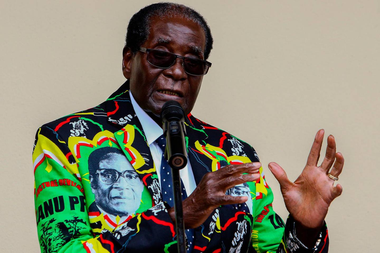 (FILES) In this file photo taken on December 17, 2016 Zimbabwe then President Robert Mugabe speaks at the party's annual conference in Masvingo. Robert Mugabe, who led Zimbabwe with an iron fist from 1980 to 2017, has died aged 95, Zimbabwe President Emmerson Mnangagwa announced September 6, 2019. / AFP / Jekesai NJIKIZANA